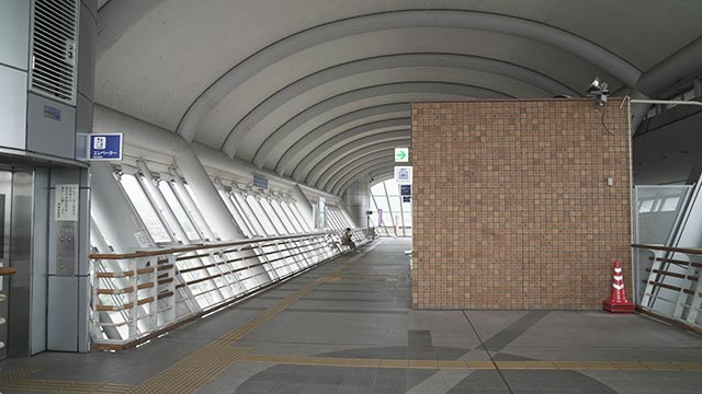 JR神埼駅の自由通路