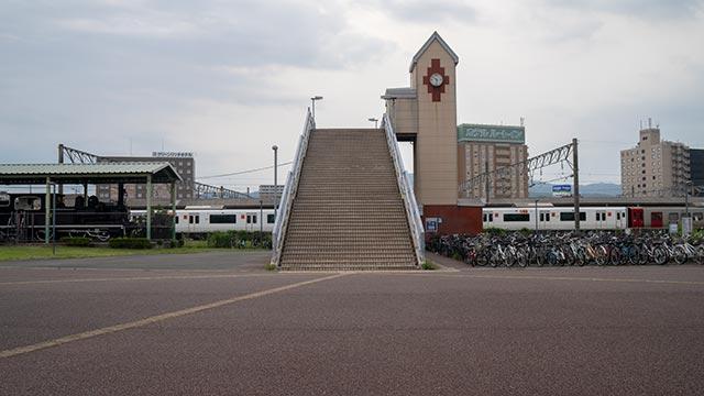 JR鳥栖駅の虹の橋