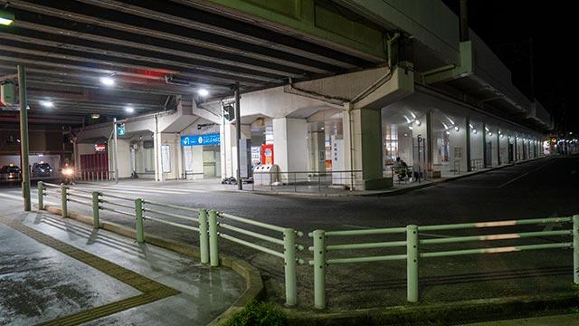 佐賀駅バスセンターの歩行者用信号機の設置場所