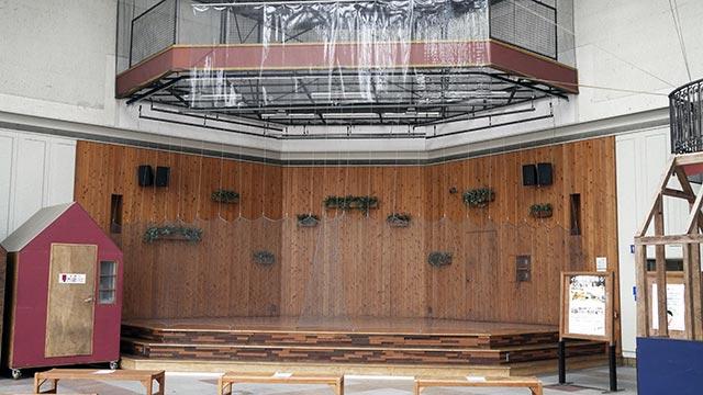 656広場(むつごろう広場)ステージ