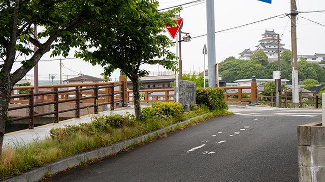千代田橋と唐津城