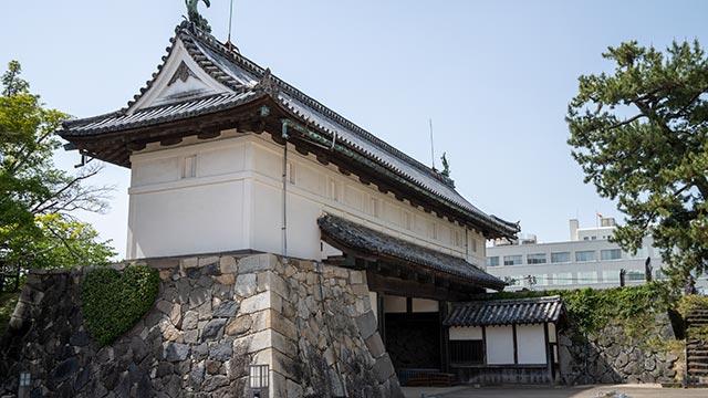 佐賀城 鯱の門の内側から