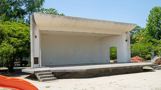 神野公園の野外音楽堂
