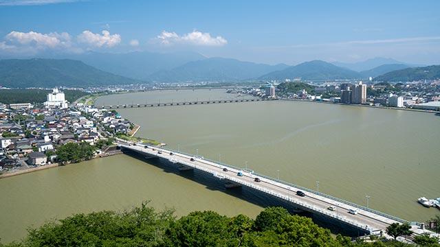 唐津城の天守閣から見た舞鶴橋