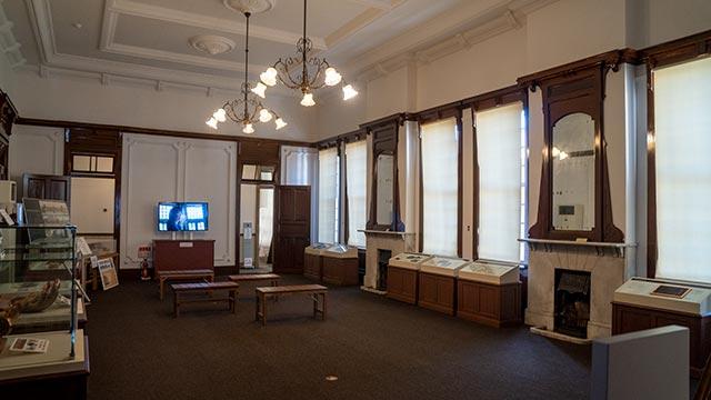 旧唐津銀行の部屋