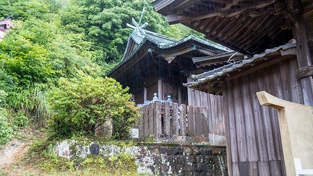 陶山神社の有田焼の玉垣
